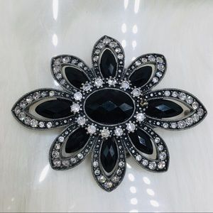 Belt buckle flower black crystal silver